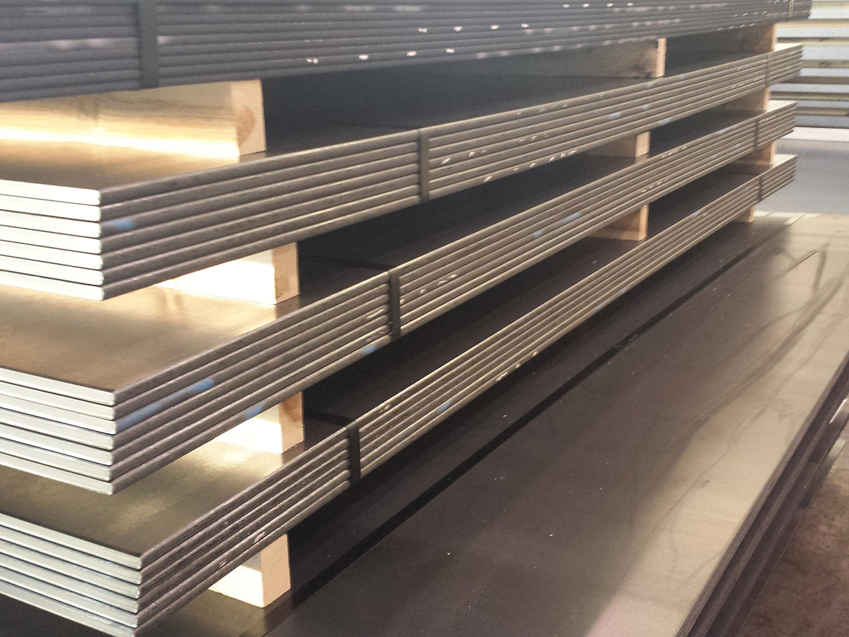 Carbon-steel-sheets-plates-coils-steel-industry-1460_01